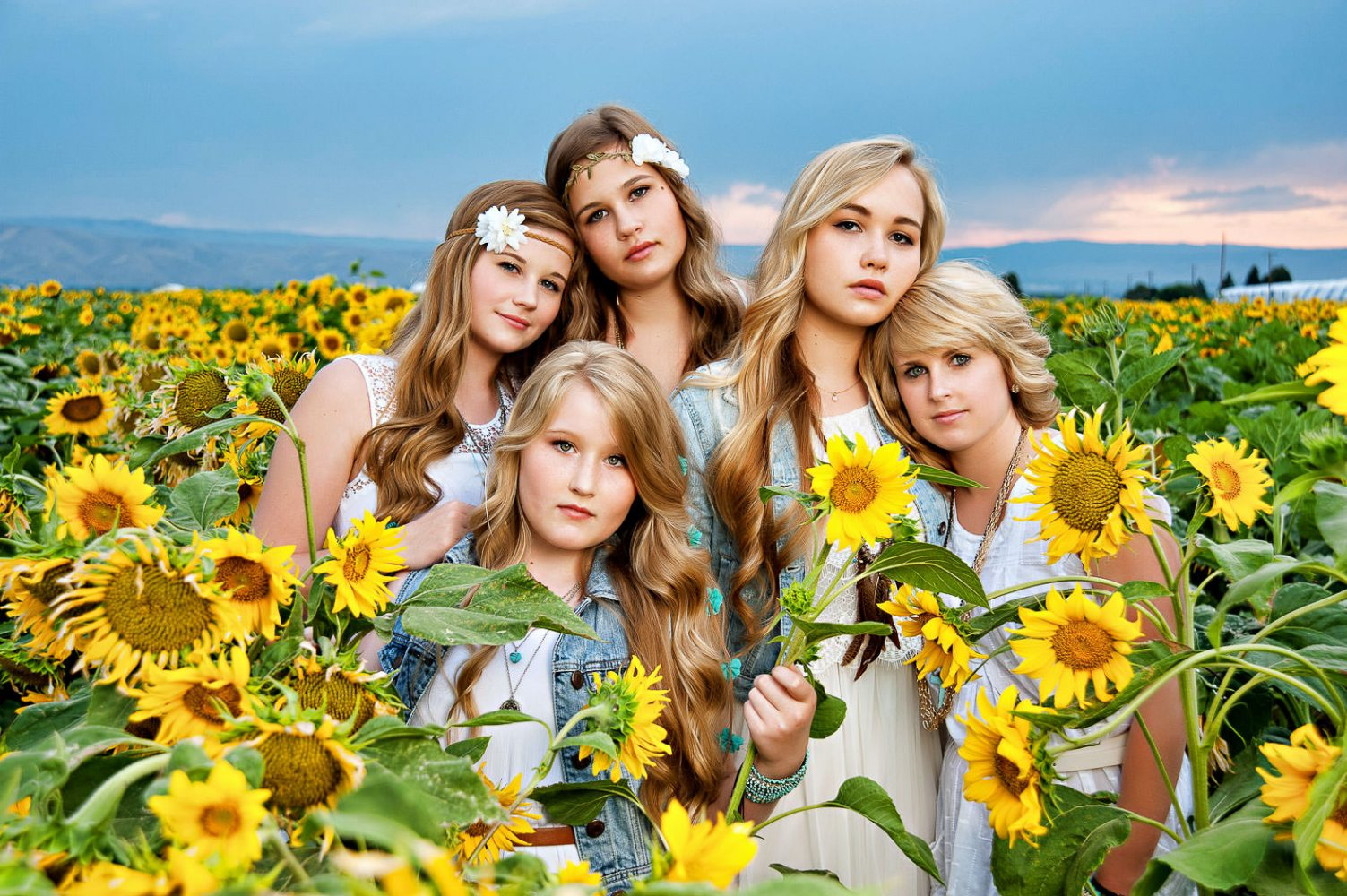 09-photonuvo-senior-pictures-sunflowers
