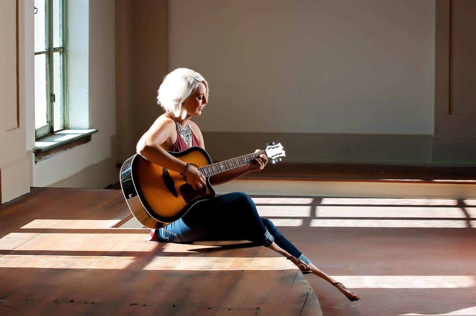 karina-musical-senior-pictures-guitar-soft-lighting-photonuvo