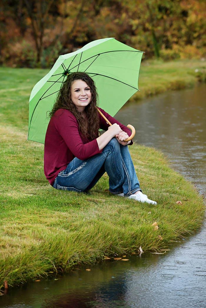 Chezney S Rainy Day Senior Portraits Photonuvo
