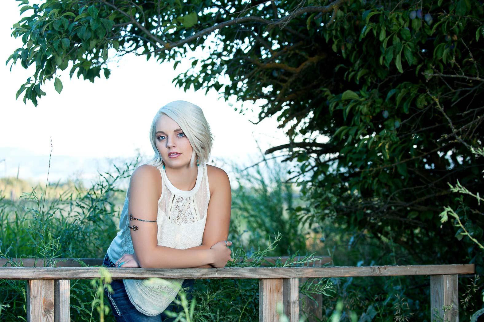 karina-country-girl-beauty-senior-pictures-photonuvo
